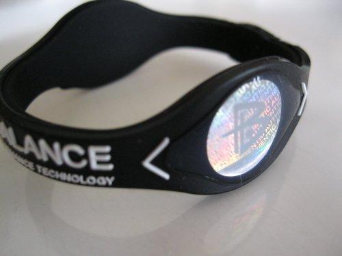Power Balance silicona pulsera pulsera negro y blanco las letras pequeñas