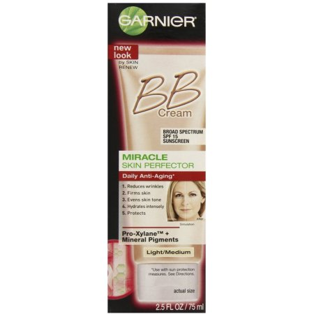 Skin Renew piel milagro Perfector Anti-Envejecimiento BB Cream SPF 15 Light - Medium 250 oz (Pack de 2)